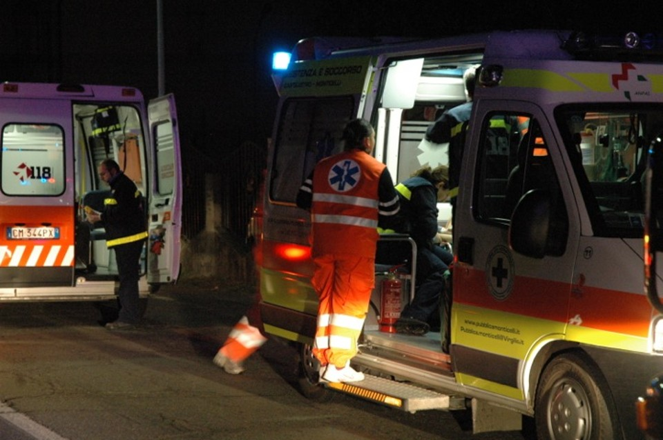 Palma di Montechiaro, incidente stradale: donna travolta da auto mentre fa jogging