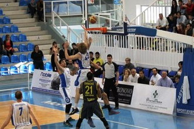 "Fortitudo sconfitta da Omegna, chiusa ""regular season"": nei play off scontro con Mantova"