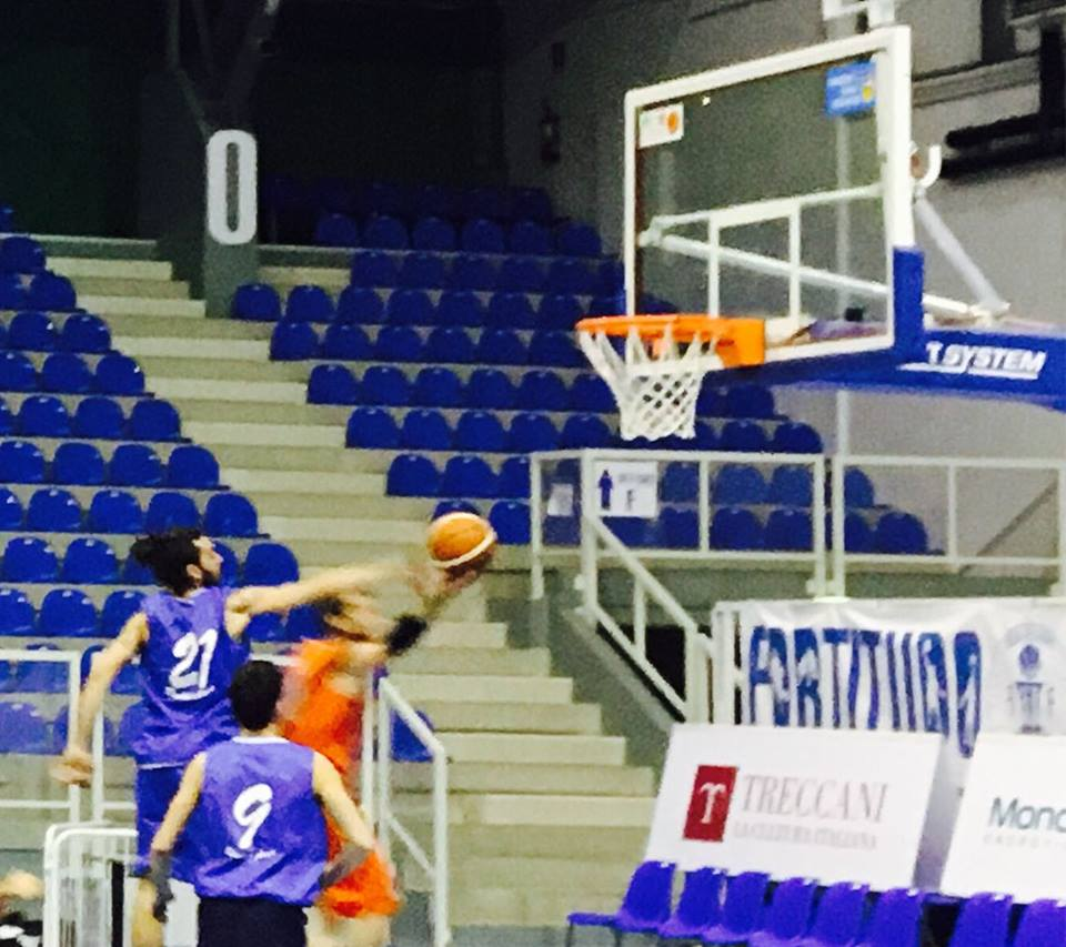 Basket, gara da dimenticare per i Giants: il derby va all'Ares Ribera