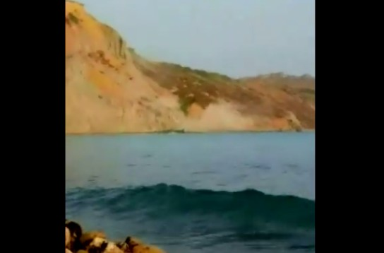 Agrigento, crolla in mare costone tra Zingarello e Drasy (video)
