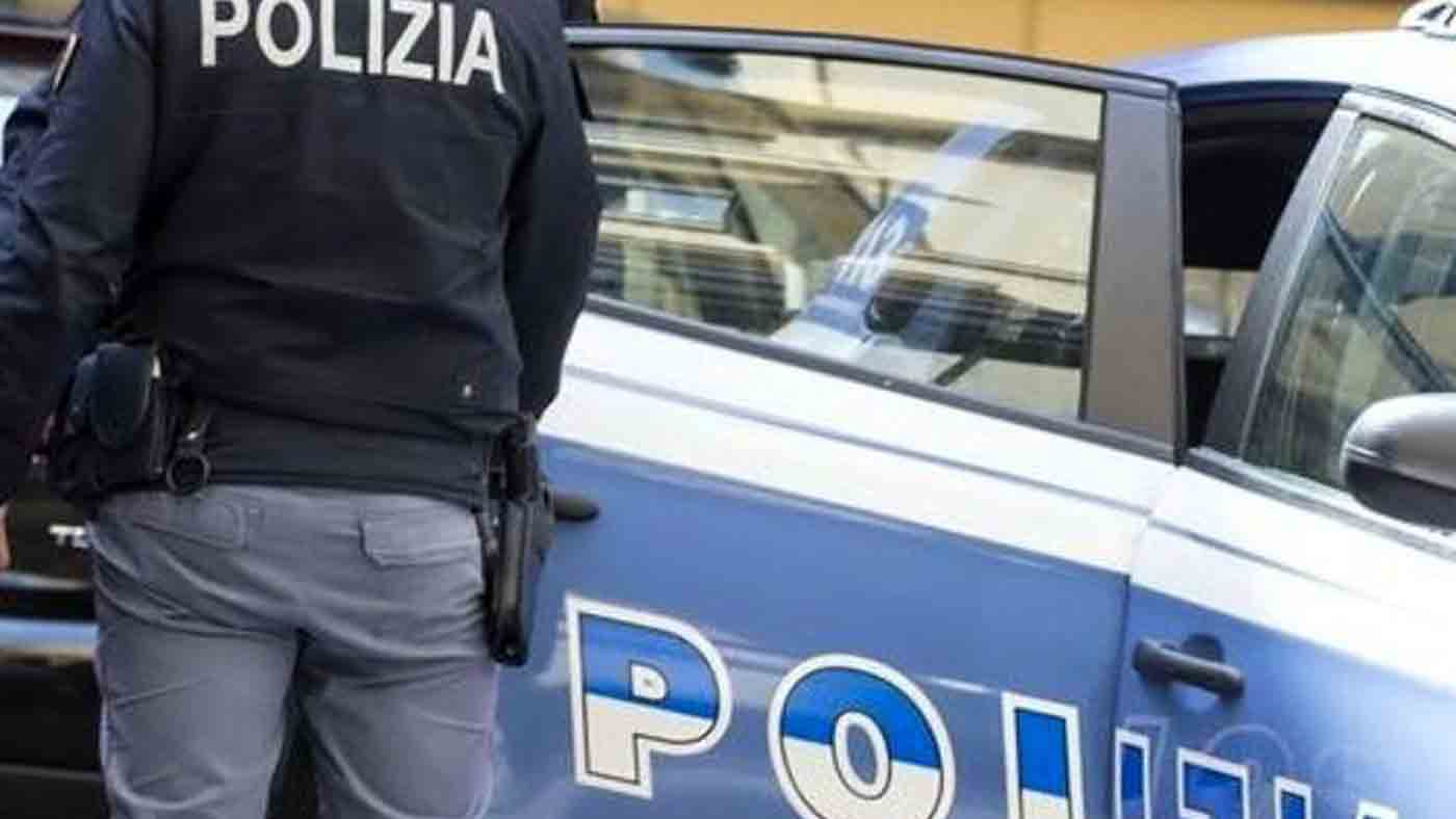 Tenta il furto in un bar del centro, arrestato