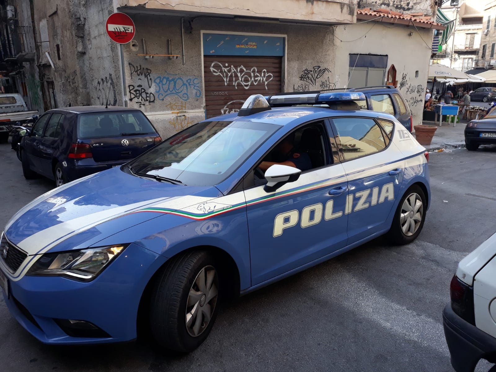Spacciava droga a Ballarò. Pusher arrestato