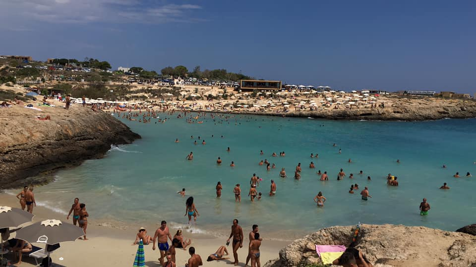 Lampedusa, stop alle sigarette in spiaggia